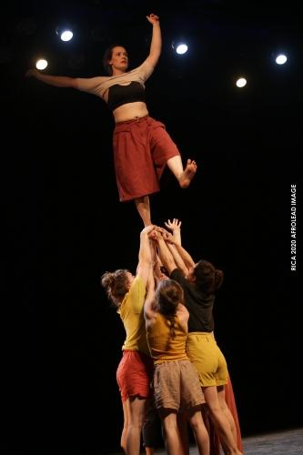 Ino Kollektiv: ¿Cuánto pesan siete mujeres?